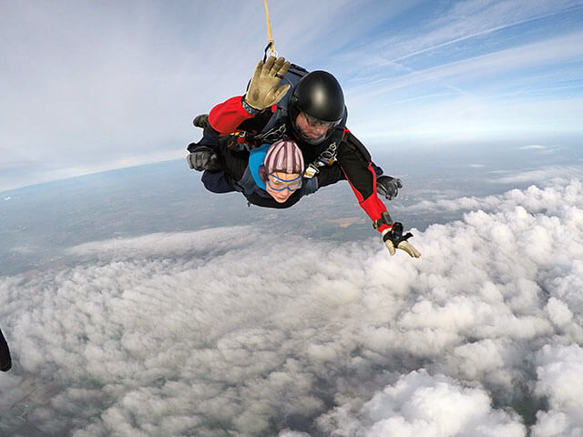 Rachel-Crackett-skydiving03